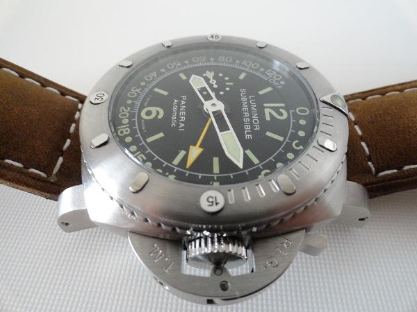 Panerai Luminor 1950 Submersible Pangea Jauge de profondeur réplique vue de côté de la montre