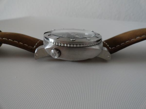 fausse Panerai Luminor couronne 1950 montre suisse