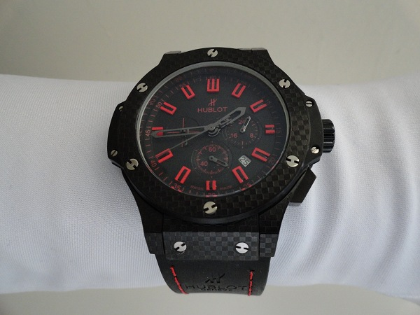 Hublot Big Bang Red Carbon Magie fausse montre
